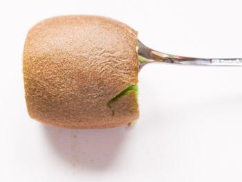 kiwi-richtig-schaelen-kinderleicht-3